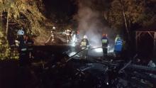 Kłęby dymu i łuna ogniowa nad Nawojową. Palił się drewniany dom