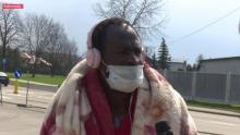 Bezdomny Afrosądeczanin śpi pod balkonem. Jego historia poruszyła sądeczan [FILMBezdomny Afrosądeczanin śpi pod balkonem. Jego historia poruszyła sądeczan [FILM