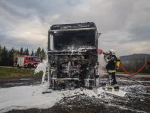 Rosjanin stracił w pożarze ciężarówkę. Ruch na objeździe Justu był wstrzymany