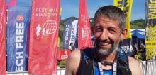 Prof. Marcin Przybyła na mecie ultramarotonu. Pokonał dystans 61 km