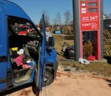 Wypadek w gminie Korzenna. Samochód osobowy zderzył się z dostawczakiem