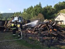 Spłonęła stodoła w Nowej Wsi. Strażacy cztery godziny gasili pożar