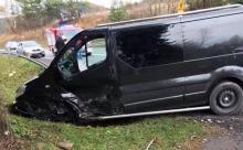 Groźny wypadek na drodze krajowej w Łabowej. Aż trzy osoby ranne [ZDJĘCIA]