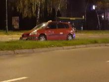 Wypadek na ul. I Bragady. Taksówkarz zagadał się z klientami i potrącił dziecko