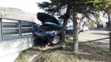Wypadek w Siołkowej. Samochód BMW zderzył się z dostawczakiem