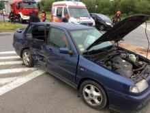 Zderzenie dwóch aut na Wiśniowieckiego. Policja nie mówi co się stało