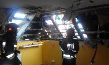 Strażacy przez dwie godziny walczyli z ogniem w Chełmcu. Palił się garaż i poddasze
