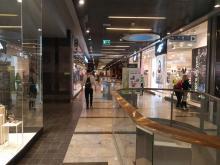Sądeckie galerie handlowe są już otwarte. Sklepy świecą pustkami [ZDJĘCIA]