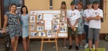 Chełmiec: Dzieciaki zrobiły wystawę zdjęć psów do adopcji. To był strzał w dziesiątkę