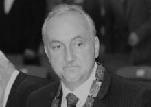 Nie żyje Andrzej Bulzak, były rektor Wyższej Szkoły Biznesu i radny wojewódzk