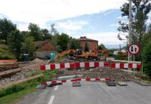 Sądeckie w budowie. Droga zamknięta na cztery spusty, bo będzie nowy most