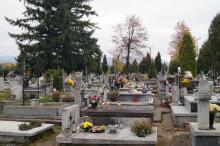 40 arów na nowe pochówki. Powiększają cmentarz w Starym Sączu