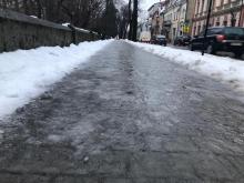Oblodzone chodniki, fot. Tomasz Kowalski