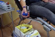 Uwaga krwiodawcy, potrzebna krew! Zobacz, jak i gdzie ją możesz oddać