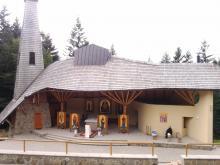 Źródło, które uzdrawia: Sanktuarium Matki Boskiej Litmanowskiej