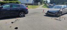 Wypadek na ulicy Hallera. Na skrzyżowaniu zderzyły się trzy samochody