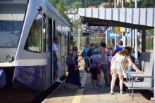 Na wakacje cała  Polska ruszy w podróż. Co z obostrzeniami w pociągach?