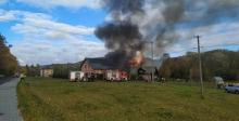 Wielki pożar w Przyszowej. Z ogniem walczyło kilka zastępów straży [ZDJĘCIA]