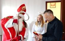 Czy wójt Łącka i urzędnicy byli grzeczni? Przyszedł do nich Święty Mikołaj