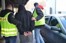 Bójka na dworcu PKP w Stróżach. Poszkodowany mężczyzna trafił do szpitala