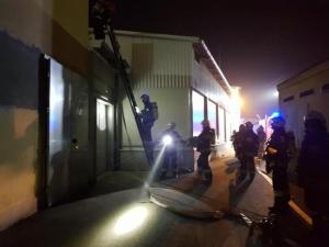35 strażaków przez trzy godziny gasiło pożar w firmie Konspol. Co tam się stało?
