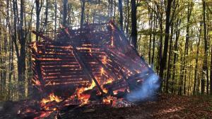 To już kolejny pożar w ostatnich dniach na Sądecczyźnie. Tym razem w Rytrze spłonęła drewniana szopa. Kilka dni wcześniej w Barcicach paliło się poddasze budynku mieszkalnego, a jeszcze wcześniej w Starym Sączu spłonął pustostan.