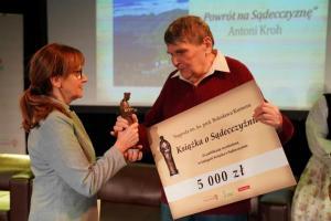 Antoni Kroh i Barbara Paluchowa. To oni wygrali Nagrodę Kumora w ubiegłym roku