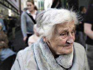 Opieka nad starszym rodzicem – trauma, przymus czy naturalna kolej rzeczy?