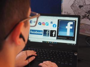 Facebook usuwa przycisk Lubię To ze stron. Kiedy i kogo będzie dotyczyć zmiana?