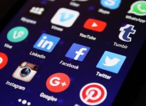 Co się stanie z Twoim kontem na Facebooku, kiedy umrzesz? Sprawdź!