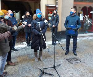 Politycy KO przekonują, że rząd przeciągającym się lockdownem oszukał Polaków