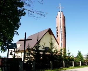 Przez koronawirusa z Niskowej zamknięty kościół w Świniarsku!