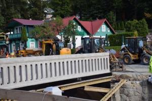 czytaj też:Kurort Krynica: przebudowują mostek i kładki nad Potokiem Kryniczanki