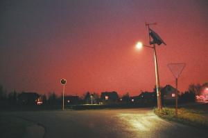 Lampy są, ale nie świecą. Kto ma w tym interes na Górkach Zawadzkich?