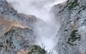 W Tatrach zeszła kamienna lawina. Ogromne głazy spadły w okolicy Morskiego Oka