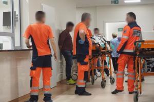 Ratowników poszczuła psem i pobiła lekarza. Koszmarny, nocny dyżur na SOR